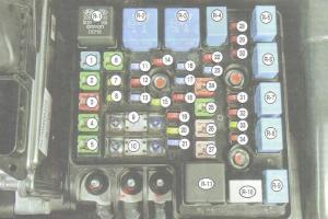 ceed06-blok-kapot-2